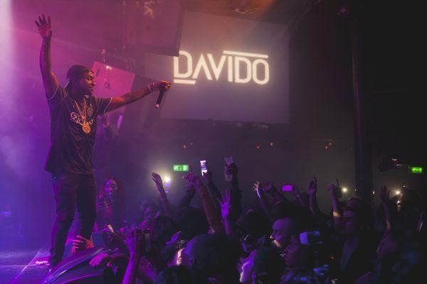 Afrolosjes presents Davido in Melkweg © Les Adu 2016